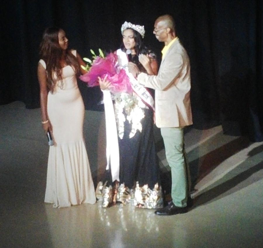 Amber Hall winner1