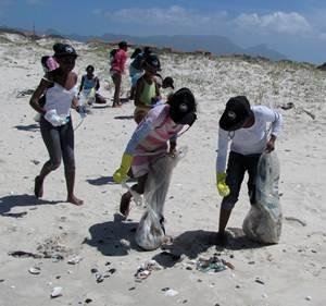 Beach-clean-up-2