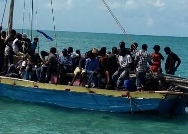 illegal-haitian-sloop