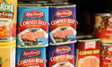 corn beef on shelf