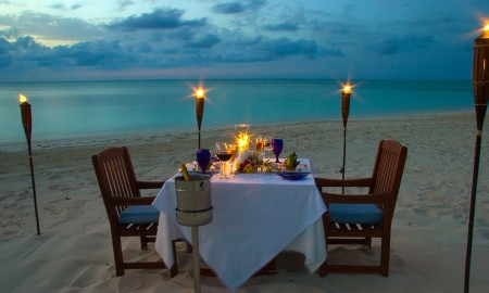 000096-06-beach-dining-night