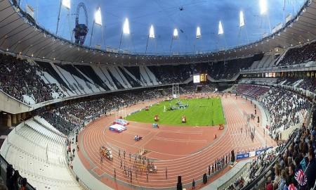 2012_Hours_To_Go_Olympic_stadium
