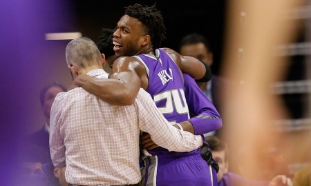 buddy-hield-kings-injury-ap