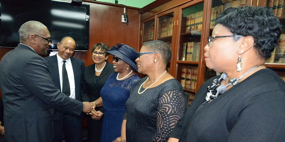 BAHAMAS: Prime Minister Minnis Pays Respects to the Hon. Theresa Moxey-Ingraham – Magnetic Media